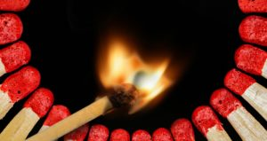 Brandstiftung ist ein schweres Delikt im StGB.